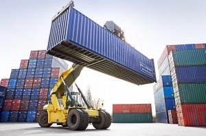 Reach-Stacker mit Container